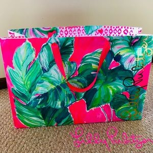 Beautiful Vibrant X-Large Lilly Pulitzer Gift Bag